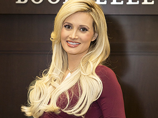 Pregnant Holly Madison Signs Copies of Her New Playboy Mansion Memoir in L.A.