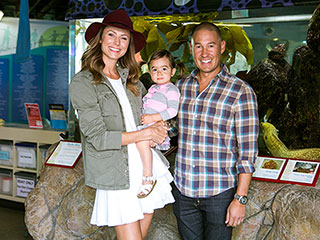 Stacy Keibler Visits the Aquarium with Daughter Ava – and They Pet a Shark!