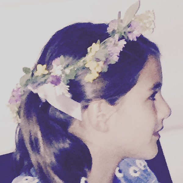 Suri Cruise flower crown