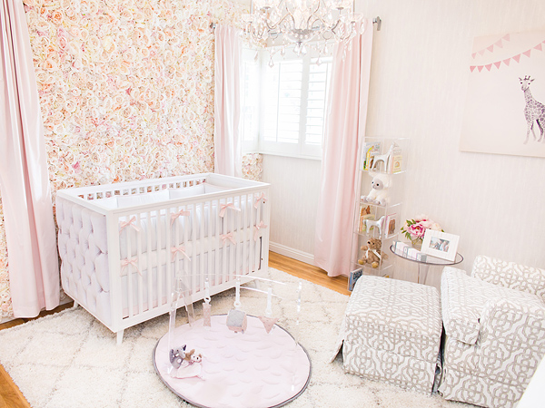 Inside Ali Fedotowsky S Nursery Featuring A Flower Wall Photos Moms Amp Babies Celebrity
