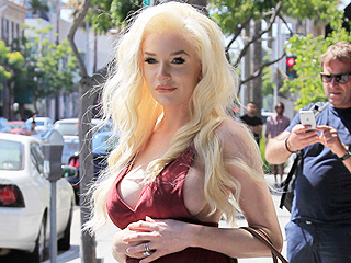 Courtney Stodden Shows Off Her Baby Belly (in a Jumpsuit!) While Shopping for Maternity Clothes