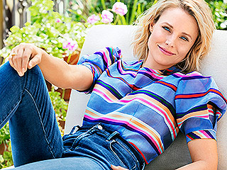 Kristen Bell on Supporting Fellow Moms: 'All of Us Are Wearing Yogurt and All of Our Hands Smell Like Urine'