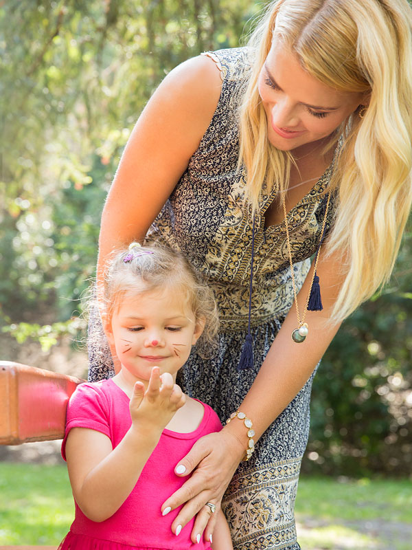 Busy Philipps Daughters Mini Magazine Main