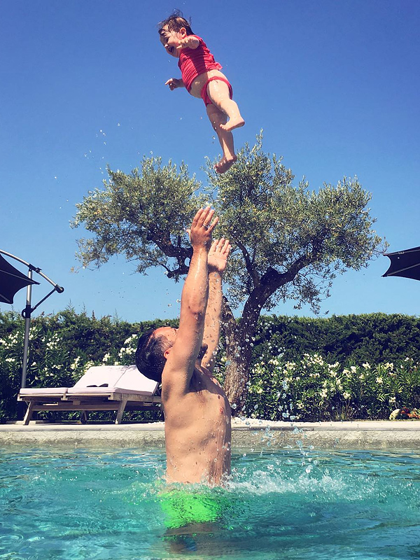 Coco Rocha daughter Ioni swimming