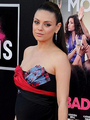 Mila Kunis pregnant Bad Moms premiere
