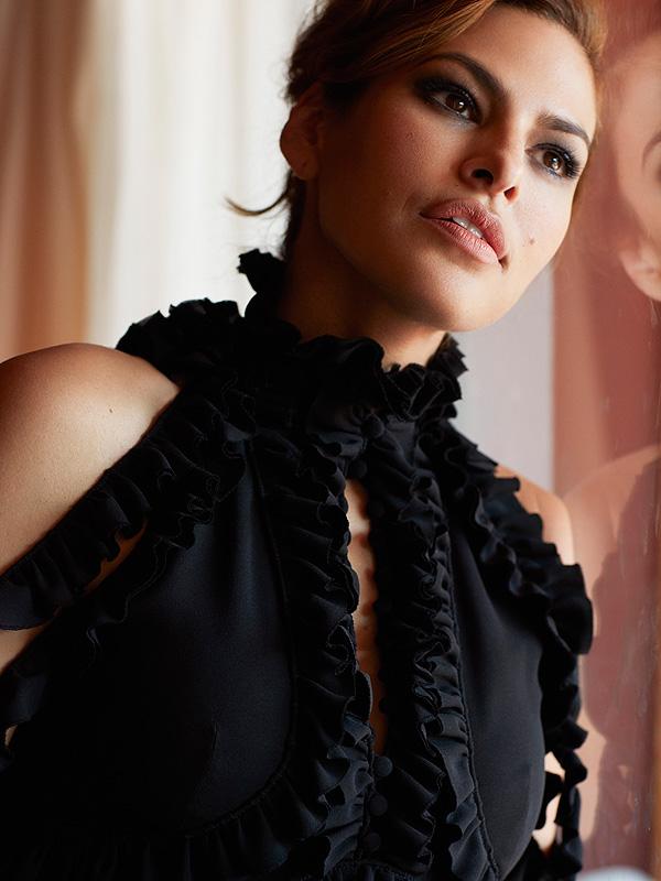 Eva Mendes Latina Magazine September 2016 Main