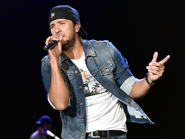 Luke bryan s fame doesn t give him cool points with his for How many kids does luke bryan have