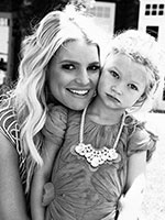 Jessica Simpson's Daughter Maxwell Drew Loves to Strike a Pose