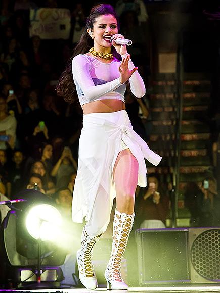 SOLO STAR photo | Selena Gomez
