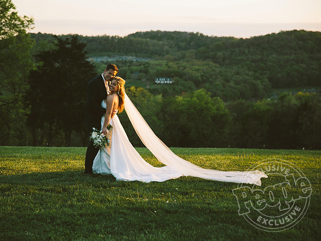 Shawn Johnson Wedding Photos People Com