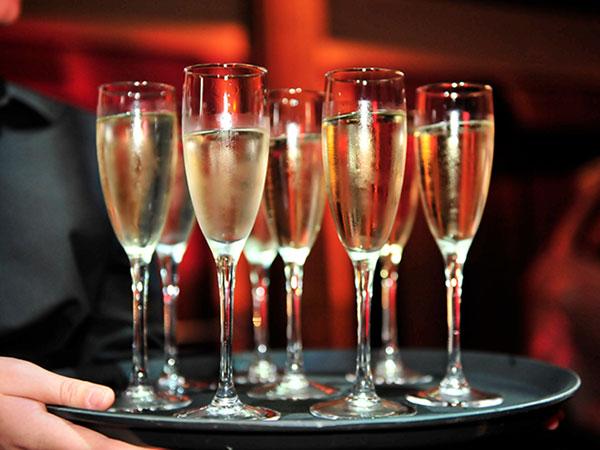 Khloe Kardashian champagne cocktail