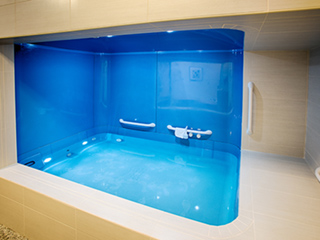 We Tried It (and Feel Pretty Relaxed): Float Therapy in a Soundproof, Lightproof, Salt-Water Tank
