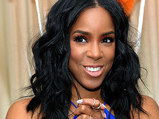 Kelly Rowland Is Living Our Best Life: 'I Eat Tacos for Breakfast, Lunch and Dinner Sometimes'