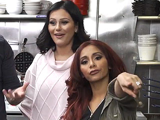Watch Nicole 'Snooki' Polizzi and Jenni 'JWoww' Farley Learn to Make Fried Chicken and Waffles on Their New Show
