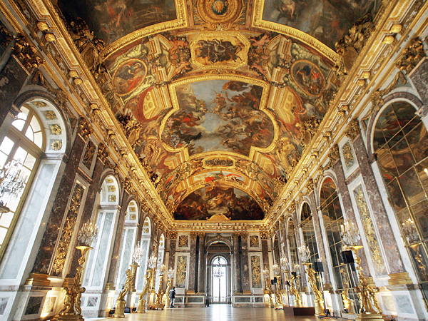 palace of versailles to open hotel and restaurant run by alain ducasse great ideas. Black Bedroom Furniture Sets. Home Design Ideas
