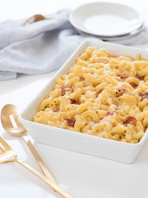 Pasta great ideas people exclusive kourtney kardashian shares her perfect comfort food recipe mac and cheese with turkey bacon forumfinder Gallery