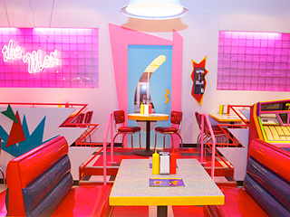 We Were the First to Try The Max Pop-up Diner in Chicago: Is It More than All Right?