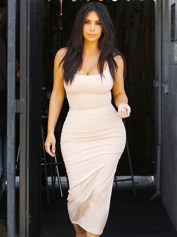 1,700 Calories, 64 Ounces of Water and Not Many Carbs: What Kim Kardashian West Eats in a Day