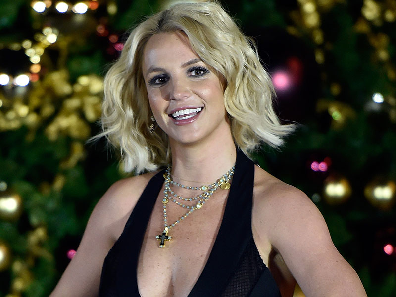 Britney Spears Apologizes for Missing the People's Choice Awards in the Sweetest Way Possible