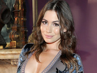 Sophie Tweed-Simmons Denies Her Lingerie Campaign Photos Were Photoshopped