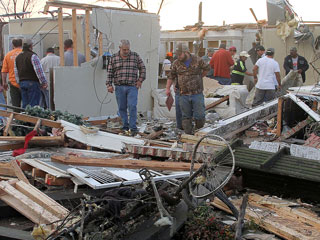 VIDEO: At Least 7 Dead, Including 7-Year-Old Boy, as Unexpected Tornadoes Rip Across the South and Midwest
