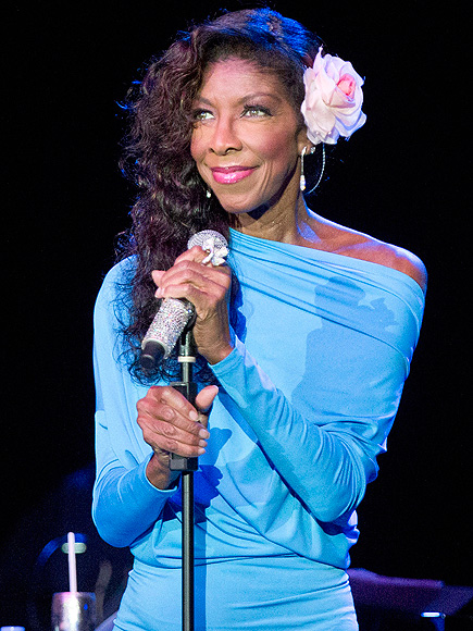 From Addiction Battles to Chart-Topping Success: Natalie Cole's Bright Life in the Spotlight| Death, Natalie Cole