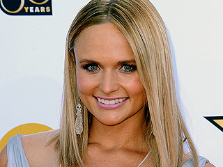 Miranda Lambert Talks 'Heartache and Healing' as She Reflects on Difficult Year in Emotional Instagram Post