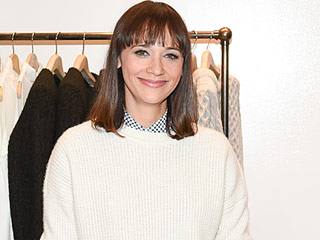 Rashida Jones Dishes on Parents Quincy Jones and Peggy Lipton Appearing on Her New Show: 'They Were Very Well-Behaved!