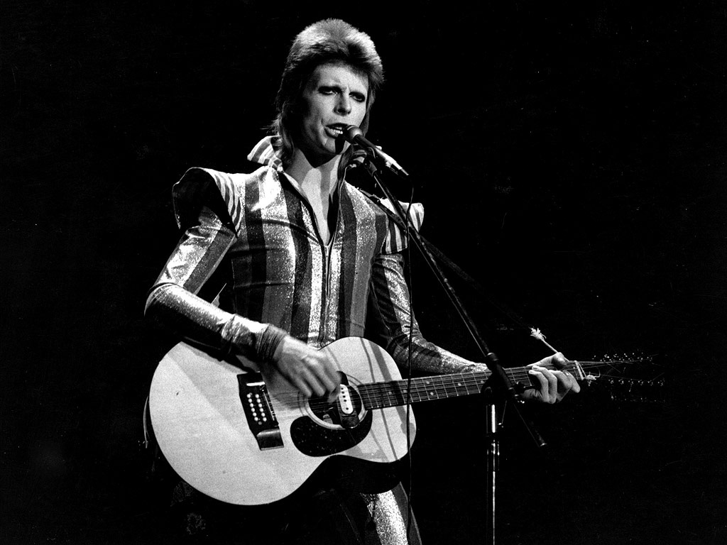 David Bowie Dead at 69 After 'Courageous 18-Month Battle with Cancer'| Death, Music News, David Bowie