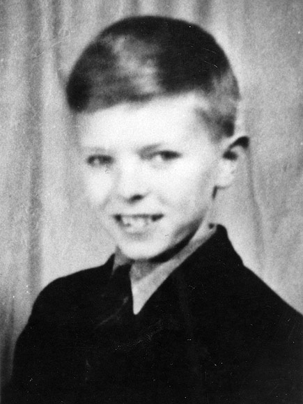 David Bowie Childhood: Friend Recalls Growing Up with Rocker Upon His ...