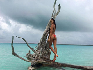 Irina Shayk Gives the Peach Emoji Some Competition In Her Latest Bikini Instagram
