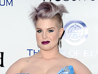 Kelly Osbourne Defends Mom Sharon Kicking People's Choice Awards Stage Crasher: That Guy's 'a P----'