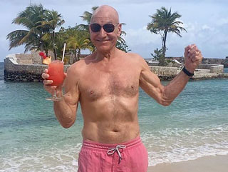 Patrick Stewart Reveals the Simple Secret to His Rock-Hard Abs (But Won't Show Them on the Golden Globes Red Carpet)