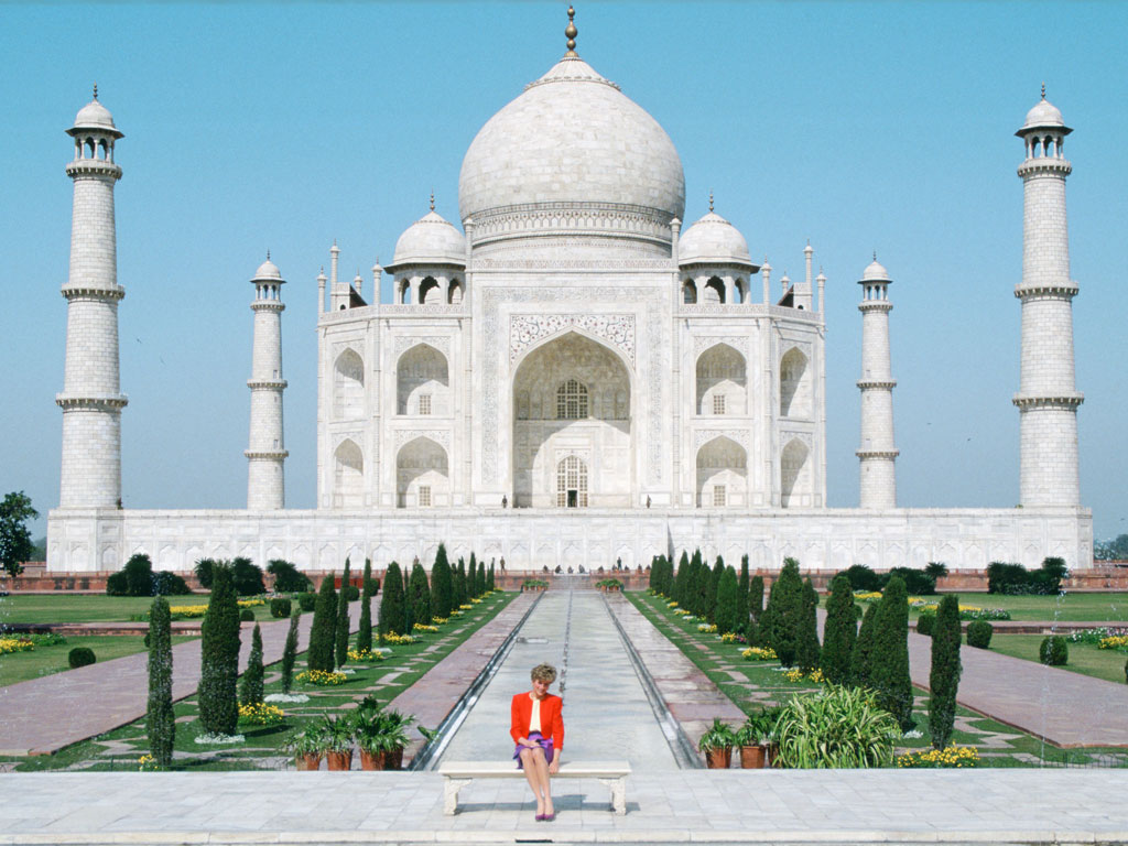 Prince William and Kate to Follow in Princess Diana's Footsteps with Taj Mahal Visit| The Royals, The British Royals, Kate Middleton, Prince William, Princess Diana