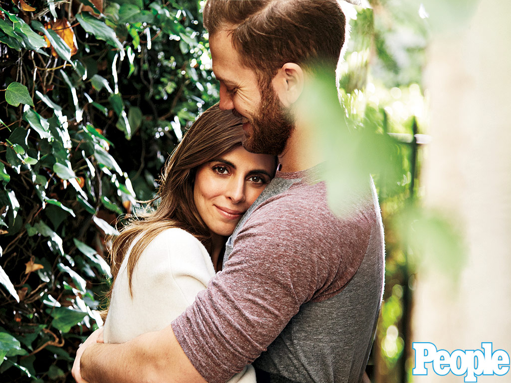 Newlywed Jamie-Lynn Sigler Reveals She Has Been Battling MS for 15 Years: 'It's Still Hard to Accept'| Health, People Picks, TV News, Jamie-Lynn Sigler