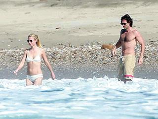 'Pinch Me': Bikini Gal Gwyneth Paltrow Soaks Up the Sun in Mexico with Boyfriend Brad Falchuk & Kids