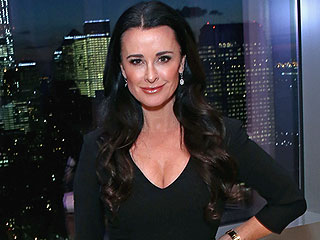 How Kyle Richards Maintains Her Hot Body at 47