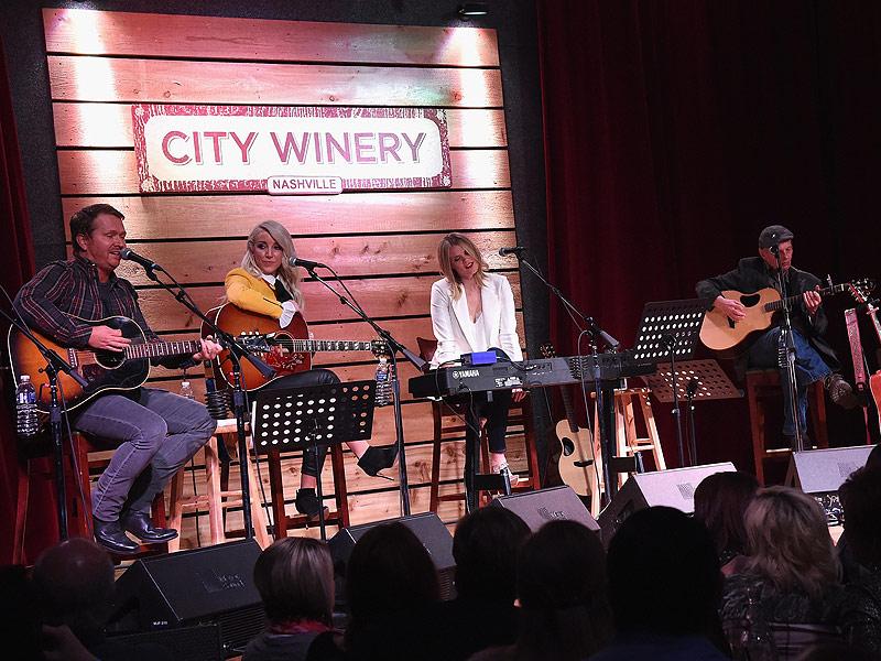 Miranda Lambert Tells Nashville Audience That She Had a 'Really S---ty 2015' – and Has the Tattoo to Prove It| Country, Ashley Monroe, Charles Kelley, Jason Aldean, Miranda Lambert