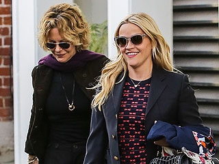 When Reese Met Meg: Rom-Com Icons Witherspoon and Ryan Are Actually Friends – See the Cute Pic