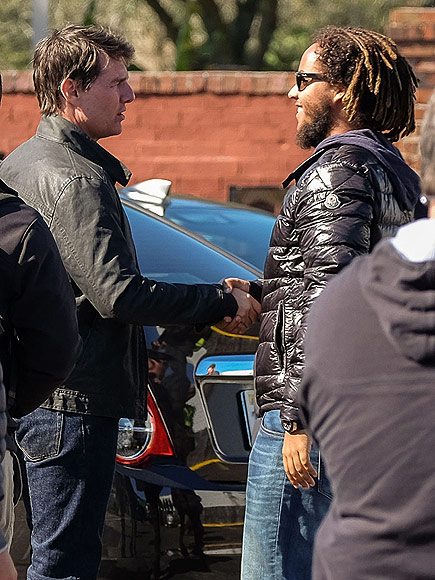 tom cruise gets a visit from his son connor on jack