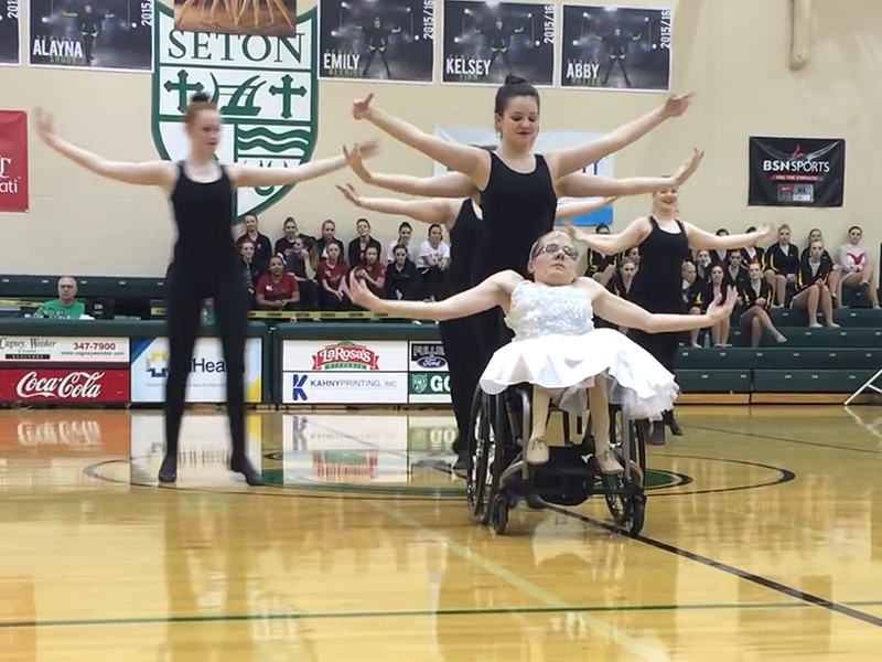 Girls in Wheelchairs Perform Dance Tribute to Friend Who Died Unexpectedly: 'It Was Either Smile or Cry'| Medical Conditions, Real People Stories, The Daily Smile