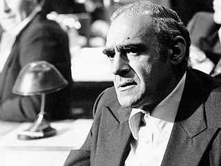Abe Vigoda, Star of The Godfather and Barney Miller, Dies at 94