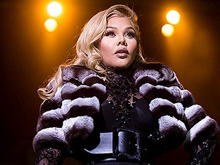 Lil' Kim Fights Back at the 'Haters' Who Allegedly Photoshopped Her Butt