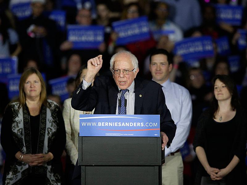 Bernie Sanders Defeats Hillary Clinton to Win New Hampshire's Democratic Primary