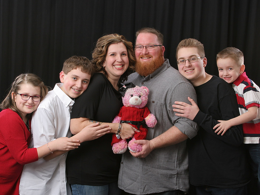 Mom Whose Child Died Creates Custom-Made Stuffed Bears for Other Grieving Parents: 'It's a Band-Aid on Our Hearts'| Real People Stories
