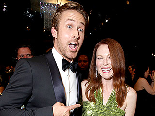 Ryan Gosling, Marisa Tomei, Julianne Moore and Steve Carrell Have a Crazy, Stupid, Love Reunion at the SAG Awards