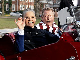 Love Story Reunion! Ali MacGraw and Ryan O'Neal Meet Again at Harvard