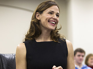 Jennifer Garner Asks Kentucky Lawmakers to Protect Children's Literacy Programs