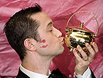 Joseph Gordon-Levitt Dresses as Robin and Makes Out with a Man in Drag During Harvard's Hasty Pudding Man of the Year Ceremony