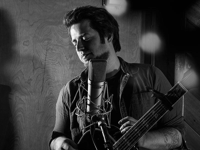 FIRST LISTEN: Hear American Idol Alum Lee DeWyze's New Album Oil & Water| American Idol, Music News, Lee DeWyze